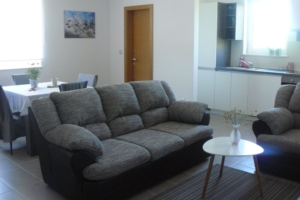 Four person split level apartment with two double beds